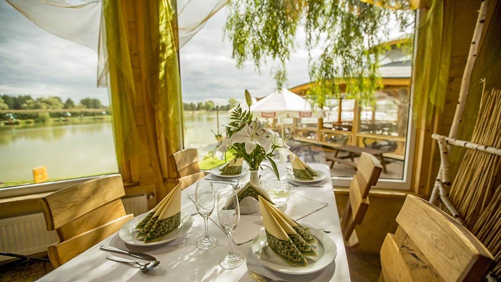 restauracja-lowisko-stolik-obiad-lunch-slider
